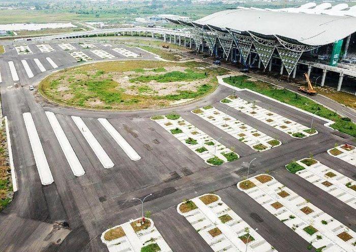 Jokowi mengatakan, SBY memiliki peran penting dalam terbangunnya bandara kebanggaan di Bumi Parahyangan ini. Istimewa/BIJB.