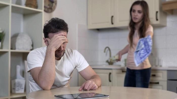 Benarkah pil KB kurangi kejantanan pria? Foto: Istock