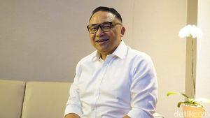 Saat Bos Garuda Jadi Pramugara Dadakan di Rute Denpasar-Jakarta