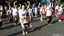 Aksi Muda-mudi Solo Ajak Warga di CFD Ikut Indonesia Menari 2018