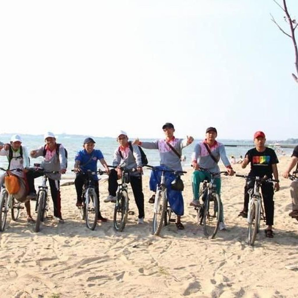 Pantai Buat Santai di Jepara