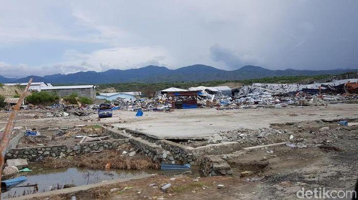 Ilustrasi Palu. Foto: Pantai Palu: Tak Ada Gudang yang Tak Retak (Elvan Dany Sutrisno/detikcom)