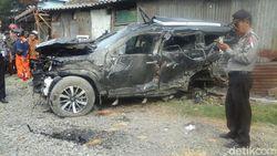 Mobil Sport Tertabrak Kereta Api di Surabaya, 3 Orang Tewas