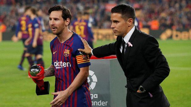 Lionel Messi meraih penghargaan pemain terbaik La Liga September 2018.