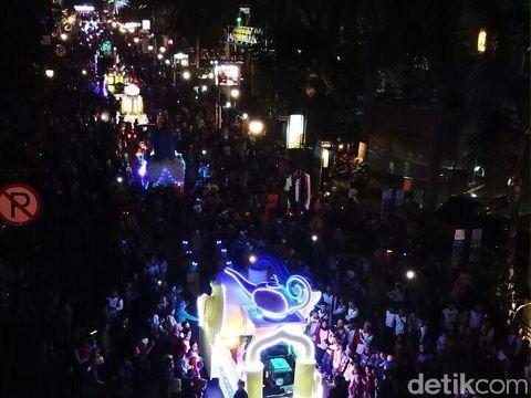 Keseruan 1001 Malam di Bandung Light Festival