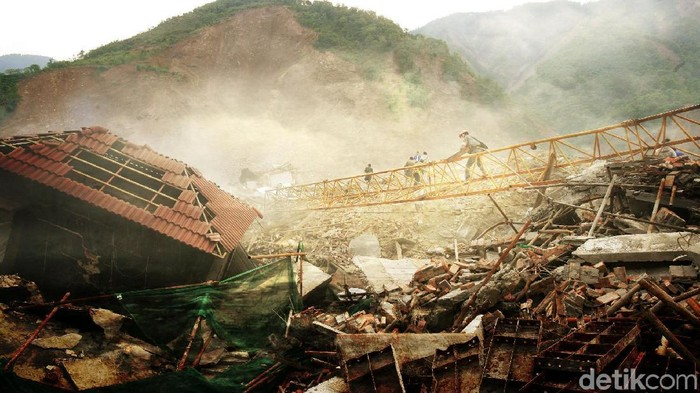 Ilustrasi relawan bencana