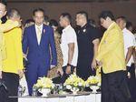 Berdasi Kuning, Jokowi Hadiri HUT ke-54 Golkar