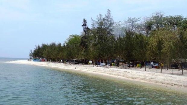 Pulau Panjang di Jepara