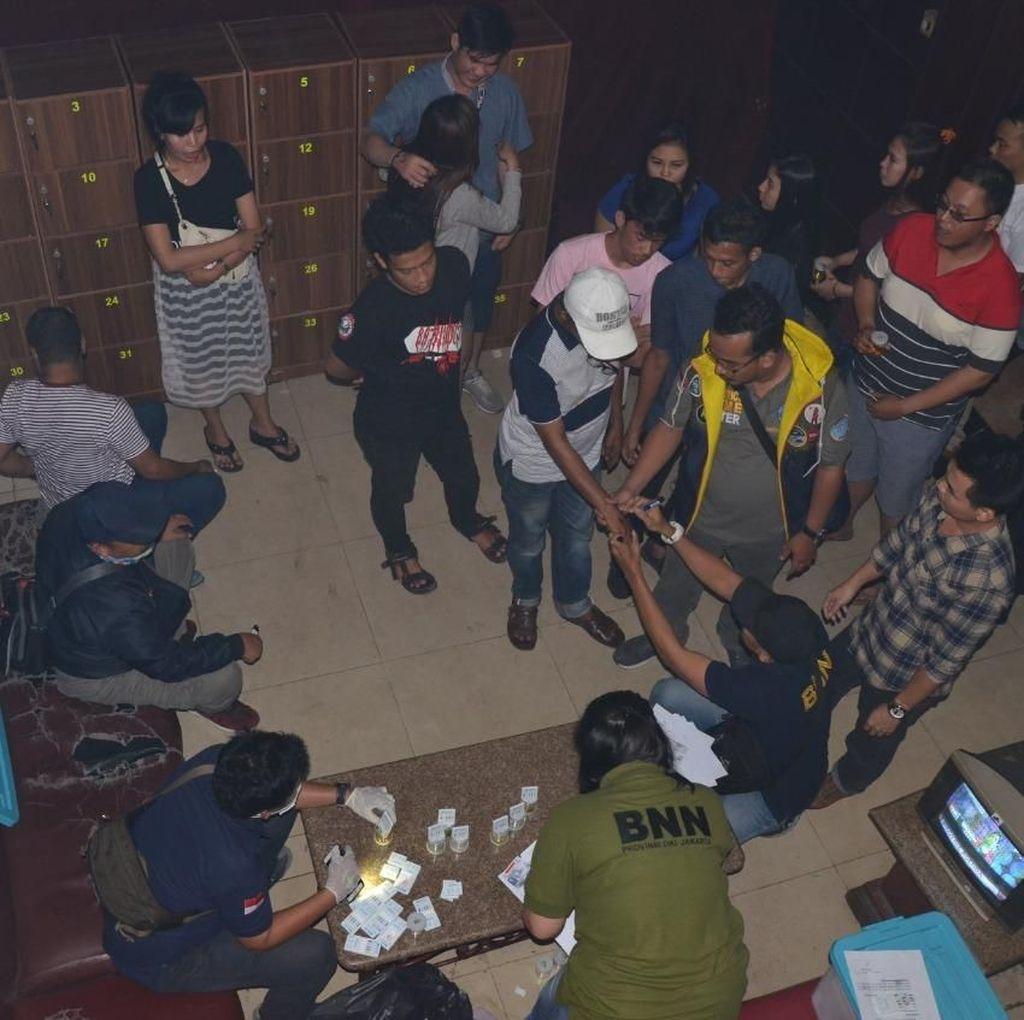 52 Orang Terjaring Razia Narkoba di Diskotek Old City