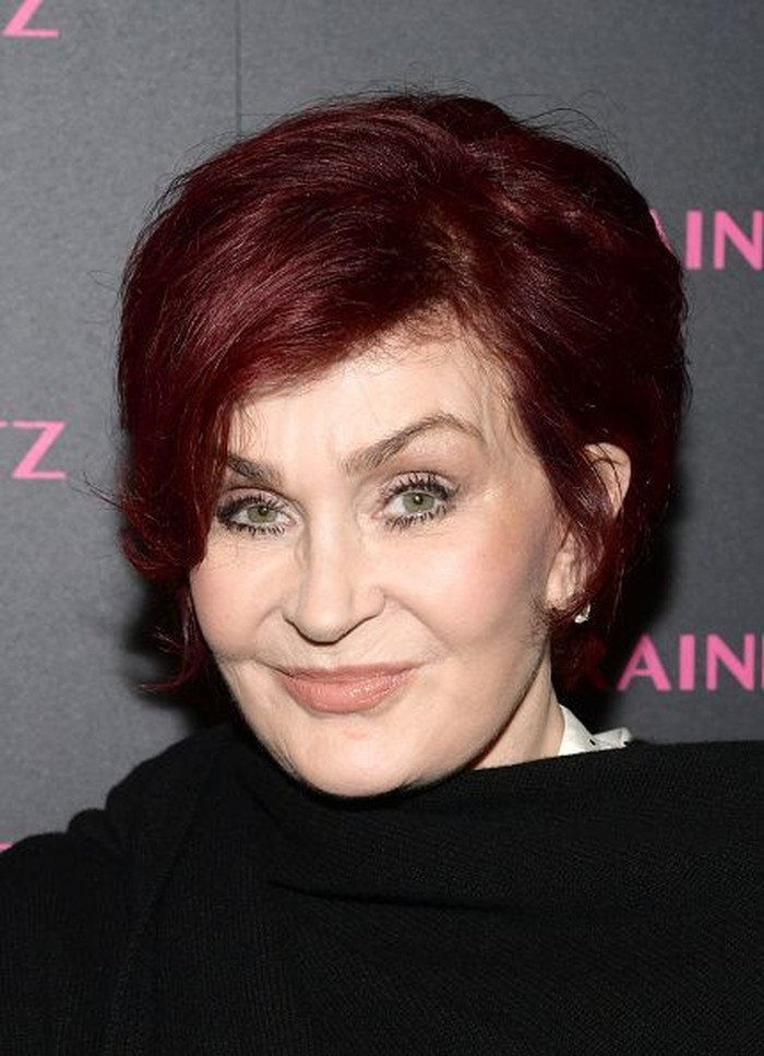 Pengusaha yang juga istri musisi Ozzy Osbourne, Sharon Osbourne tak ragu bicara blak-blakan soal kanker usus yang diidapnya pada 2002. Melalui tayangan The Osbournes, Sharon berbagi pengalaman mulai dari diagnosa hingga pemulihan. (Getty Images)