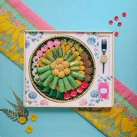 5 Toko Kue Ini Sediakan Paket Kue Basah Cantik dalam Tampah