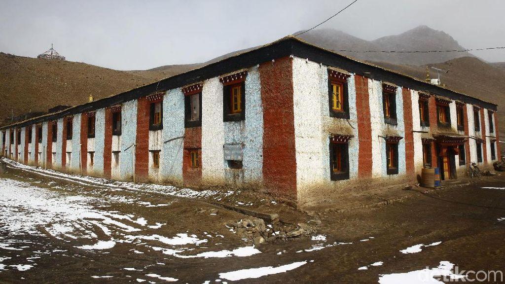 Foto: Biara Tertinggi di Dunia