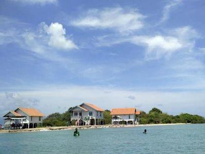 Pantai dan Pulau Indah di Serang, Banten