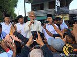 Di Pasar Mojokerto, Sandiaga: Prabowo-Sandi Tak Disukai Pemodal Besar