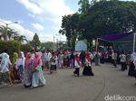 Sambut Hari Santri, Kampus di Jember Berubah Bak Pondok Pesantren