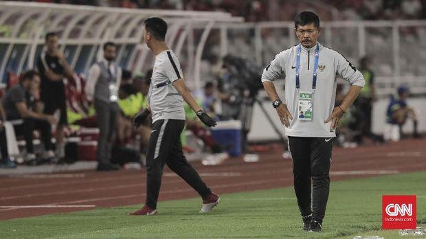 Indra Sjafri pernah mengatakan biar dia yang menanggung beban target ke Piala Dunia U-20, bukan para pemain Timnas Indonesia U-19. (