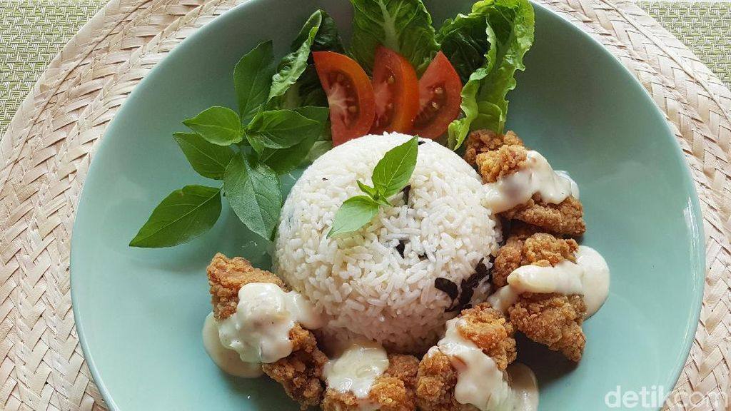 Resep Ayam : Fiesta Karage with Garlic Rice and Cheese Sauce