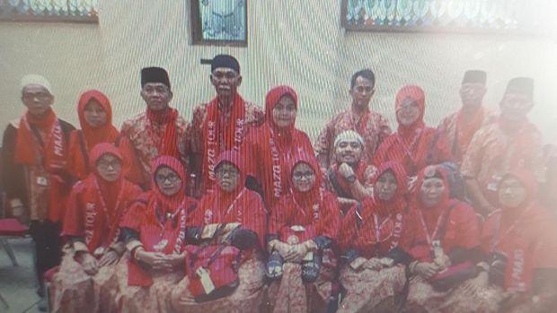 Keluarga Lina Sule berangkat umrah