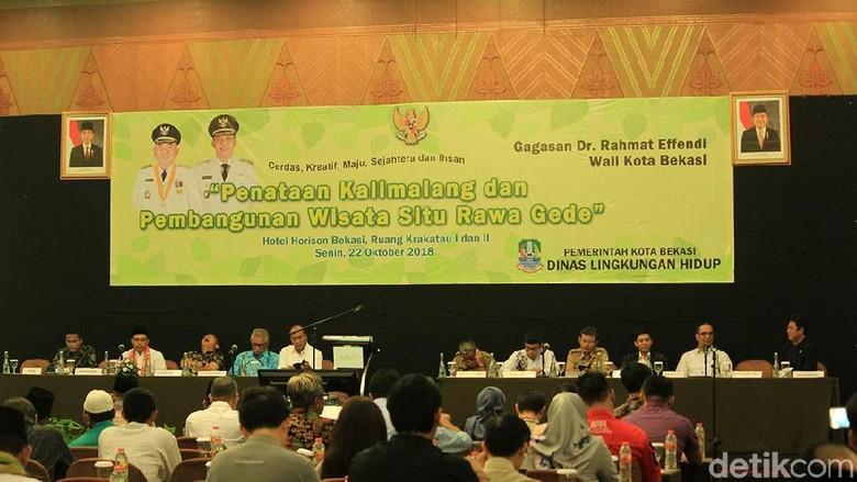 . Suasana diskusi revitalisasi Kalimalang dan Situ Rawa Gede (Randy/detikTravel)