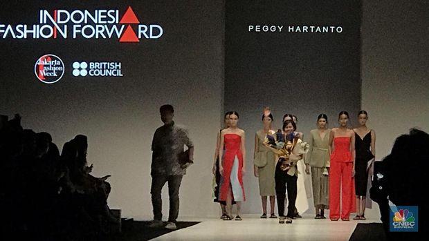 Sentuhan Peggy Hartanto di Deretan Gaun Artis Hollywood