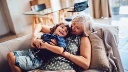 5 Tips dari Nenek yang Bikin Pengasuhan Anak Lebih Mudah