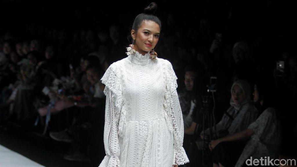 Raline Shah Hingga Jessica Iskandar Lelang Barang Branded untuk Amal