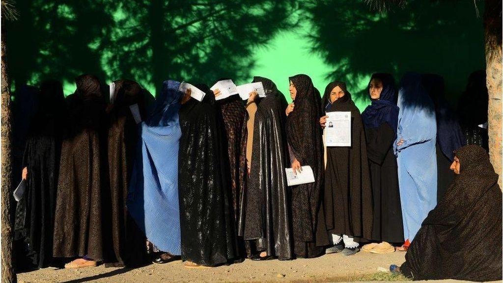 Pemilu Afghanistan: Pemungutan Suara Diperpanjang Akibat Ledakan Bom