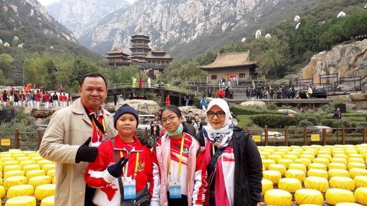 Tips Agar Anak Berprestasi dari Ibu dengan 2 Anak Peraih Medali