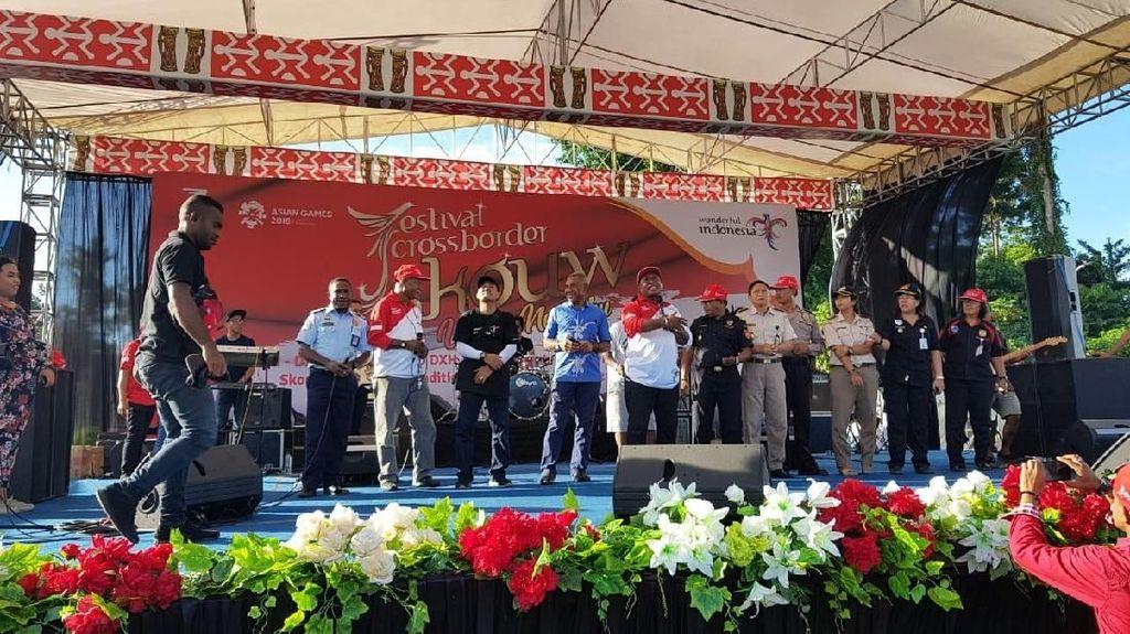 Ras Muhamad si Raja Reggae Indonesia Akan Tampil di Perbatasan Skouw