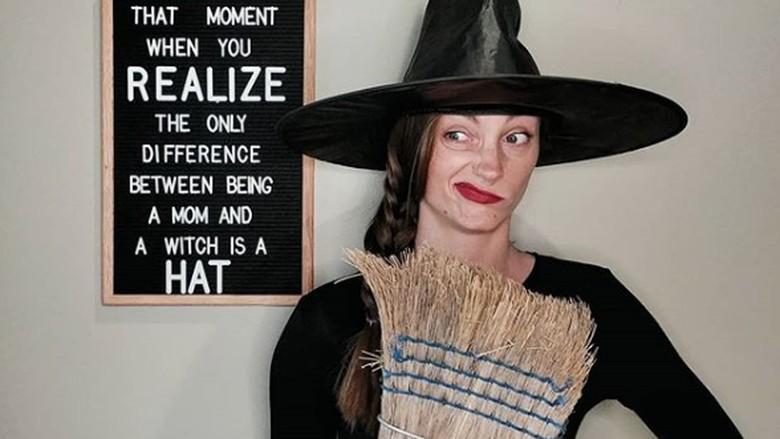 Kostum Halloween ala Ibu rumah tangga/ Foto: Instagram