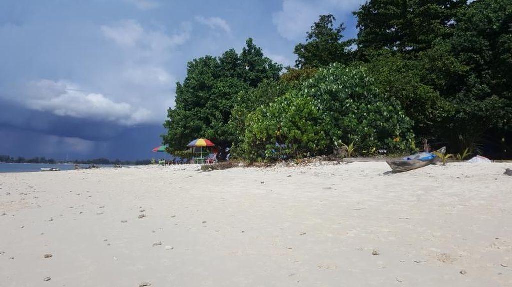 Sejuknya Pulau Angso Duo di Pariaman, Sumatera Barat
