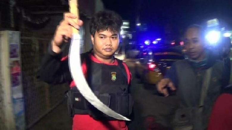 Bawa Sajam, 3 Remaja di Cipayung Ditangkap Polisi