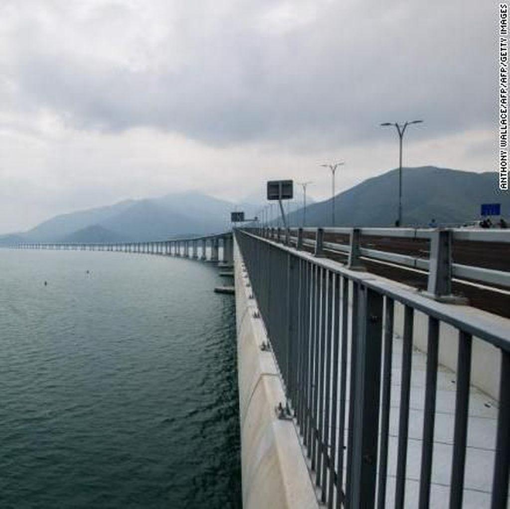 Jembatan Pembelah Laut Terpanjang di Dunia Segera Dibuka