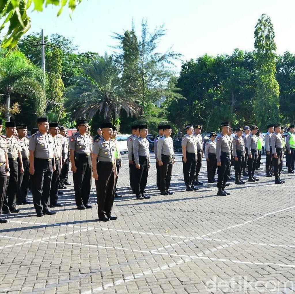 Upacara Berpeci Hitam juga Digelar Polisi di Situbondo