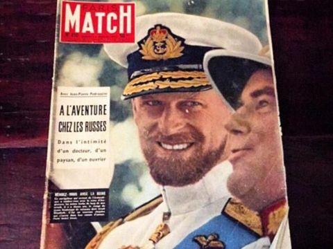 Pangeran Harry Mirip Sang Kakek Saat Muda di Foto Ini