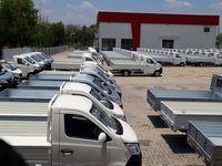 Deretan pick-up berjejer di pabrik Esemka