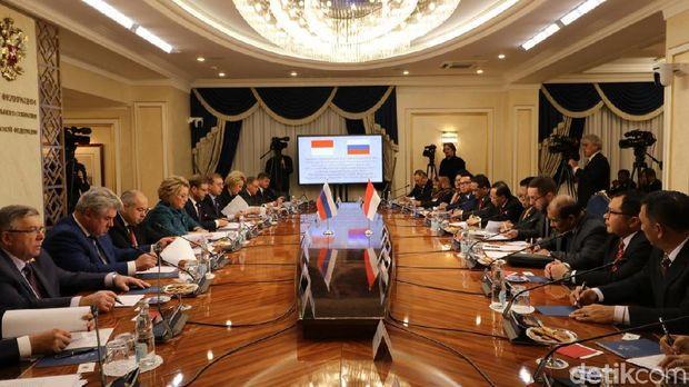 Delegasi DPD RI memenuhi undangan Dewan Federasi Rusia.