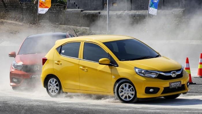 Honda merilis mobil city car dan LCGC generasi kedua dikembangkan sebagai solusi terbaik untuk memenuhi kebutuhan.