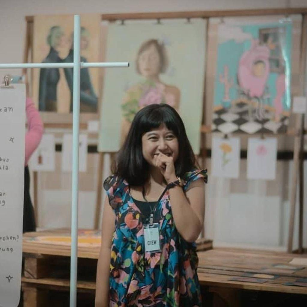 Bermodal Kertas dan Cerita, Annisa Rizkiana Berkarya dengan Zine
