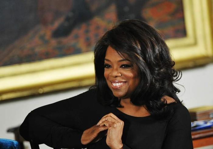 Oprah Winfrey sangat suka dengan sarapan, terlebih jika menu sarapannya memiliki banyak buah. Seperti blueberry, raspberry, strawberry, hingga potongan pisang. Terkadang ia menambahkan daun mint dan roti gandum. Foto: Istimewa