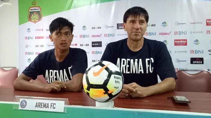 Arema FC menghadapi tantangan besar di markas Bhayangkara FC. (Foto: Randy Prasatya)