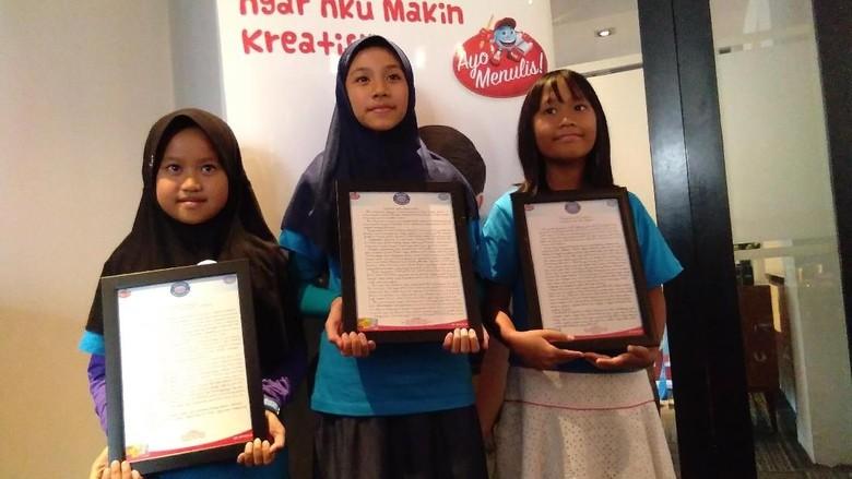 (Alfia Kirana Maheswari, Siti Juneeta Khairunnisa, Bianca Alexandria Situmorang) Foto: Yuni Ayu Amida