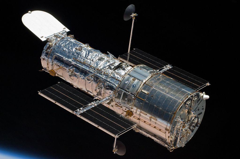 Hubble Space Telescope adalah teleskop luar angkasa yang dimiliki oleh NASA. Foto: NASA