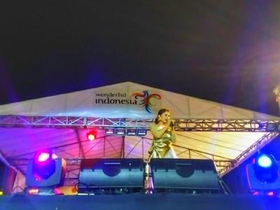 Konser Rossa Bius Pengunjung Festival Crossborder Nunukan 2018