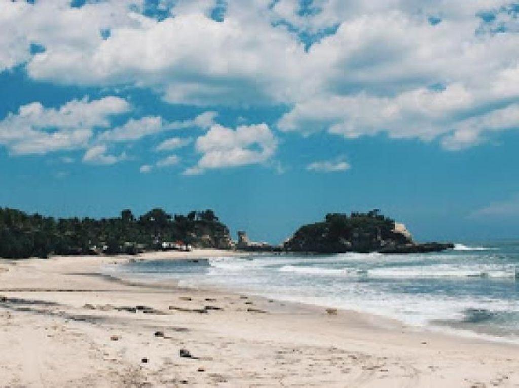 Pantai Klayar yang Cantik Nan Eksotis di Pacitan