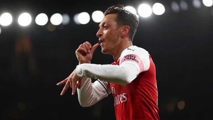 Kesebelasan Terbaik Arsenal Versi Mesut Oezil