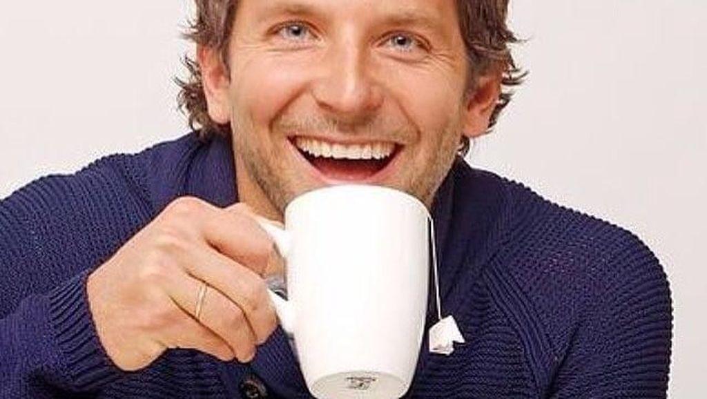 Momen Bradley Cooper Jadi Chef hingga 6 Bahan Populer Kue Basah