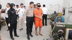 Polisi Gerebek Gudang Produksi Alkes Ilegal di Gresik