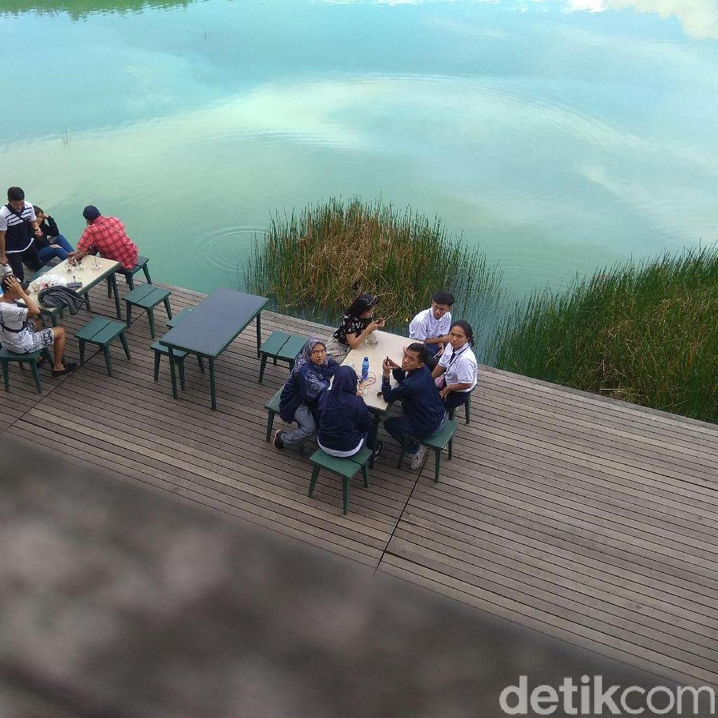 Foto: Danau Linow yang Berwarna Toska di Sulawesi Utara
