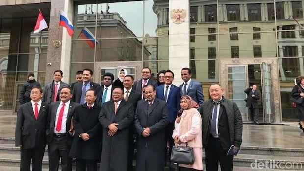 Delegasi DPD RI di Gedung Federasi Rusia